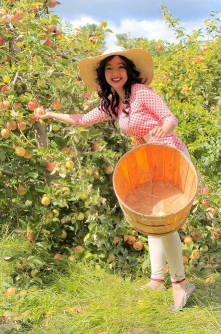 geeves apple picking