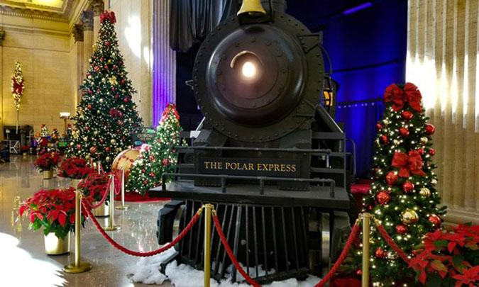 Poloar express and christmas trees in union station chicago